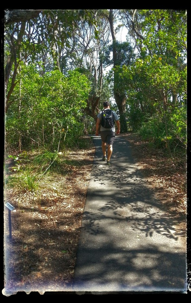 walking to cape byron lighthouse