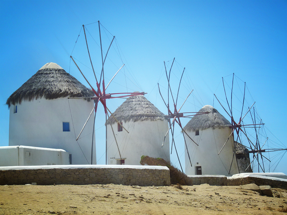 windmills on mykynos